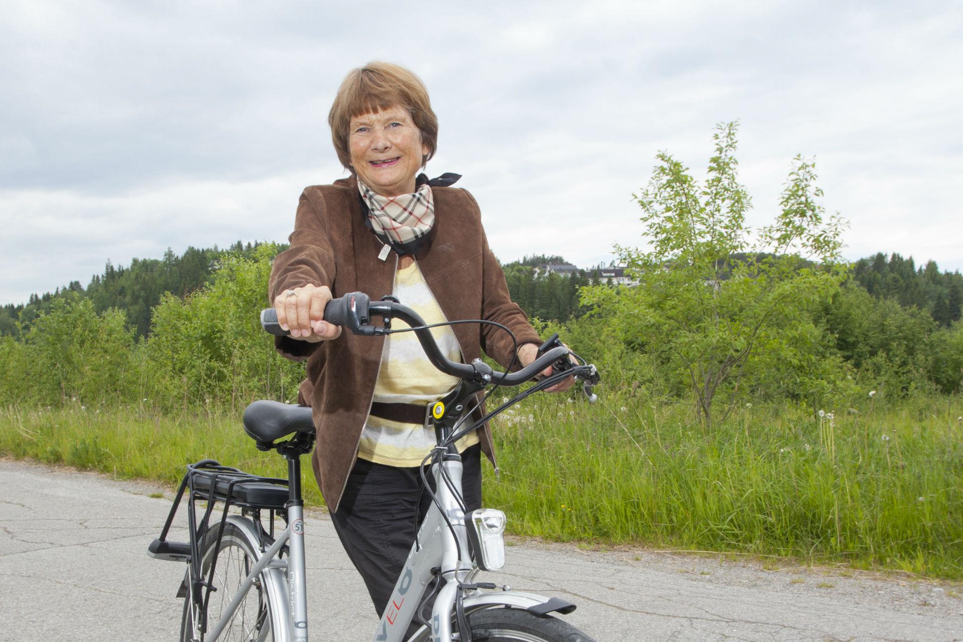 Kundecase - Klara Kristin er glad for at hun endelig kan sykle igjen. Nylig gikk hun til anskaffelse av en ny el-sykkel.